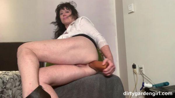 Dirtygardengirl  - Dirtygardengirl extreme sex serie II (24.08.2020) [FullHD 1080p] (Dildo)