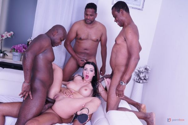 LegalP0rno: Lady Gang - Lady Gang comes to test black bulls IV515 (HD/720p)
