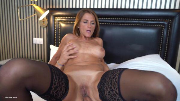 Ophelie - Ophelie, escorte de 45 ans satisfait un jeune en manque de sexe (28.09.2020) [FullHD 1080p] (LaFranceaPoil)