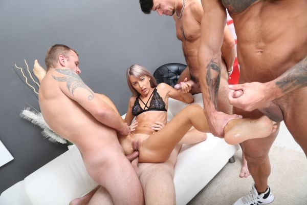 Vicky Sol - Naked Barefoot, Vicky Sol Feet Play with Balls Deep Anal, Gapes and Swallow GIO1573 [HD 720p] (LegalP0rno)