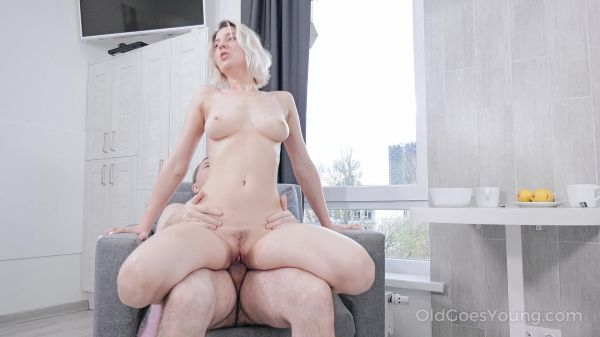 Aurora Sky - Kinky couple makes sex for breakfast (30.10.2020) [FullHD 1080p] (Young)