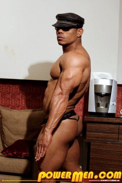 PowerMen - Kuson Santos - Muscle Inspection