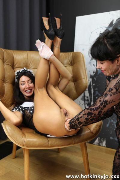 Hotkinkyjo, Dirtygardengirl - Sexy maid Hotkinkyjo elbow anal fisting, belly bulge & prolapse with Dirtygardengirl (18.10.2020) [FullHD 1080p] (Anal Fisting)