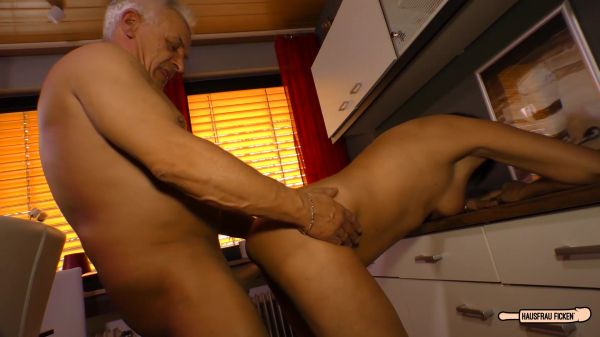 PD Katey - Mature German housewife gets cum on tits in hardcore sex session (19.12.2020) [FullHD 1080p] (EuroAmateur)