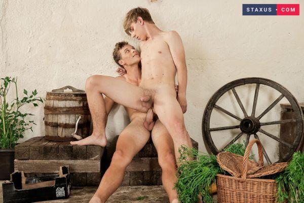 STX - Reap & Sow - John Hardy & Pavel Masters