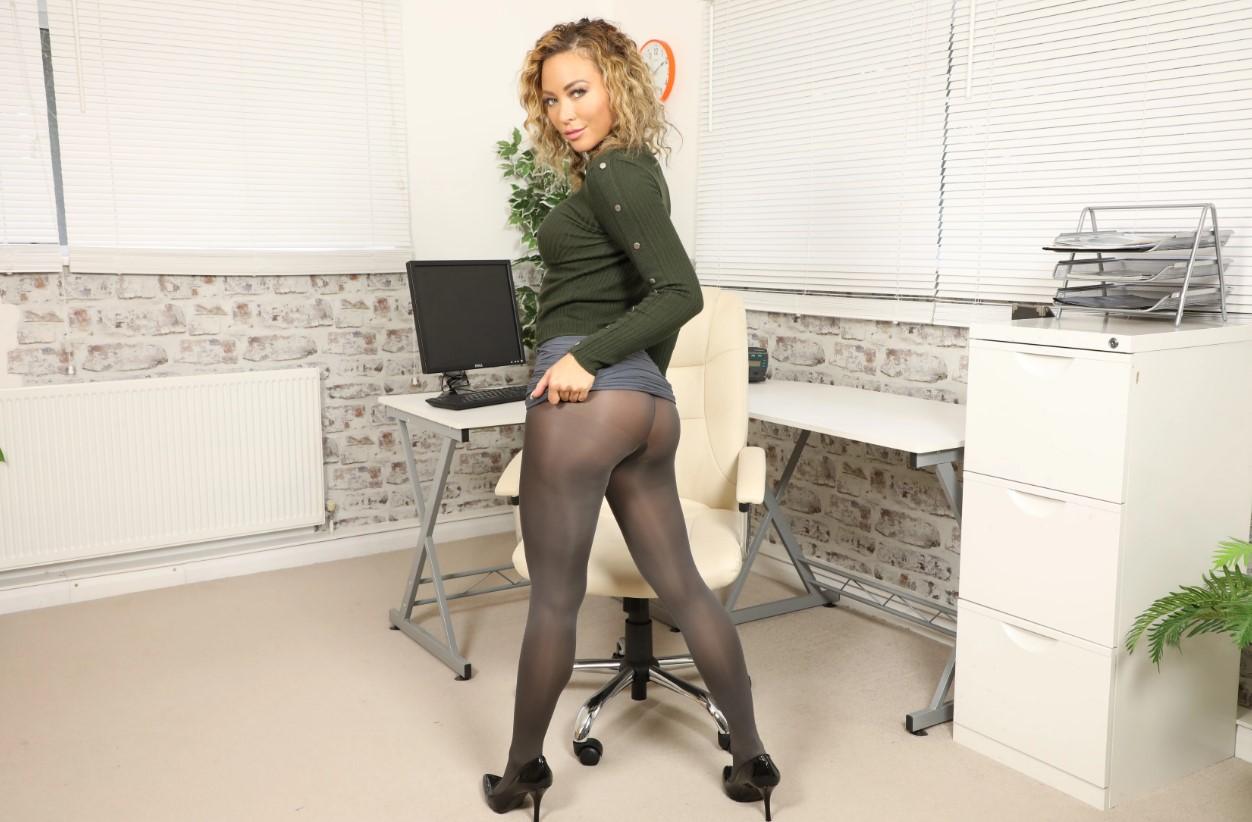 Natalia Forrest - Secretary Smartphone