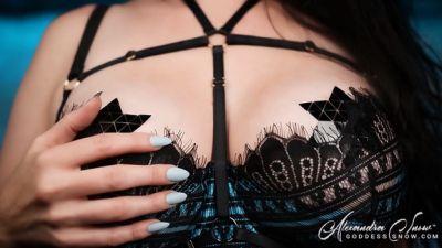 Goddess Alexandra Snow – Weak For Tits II