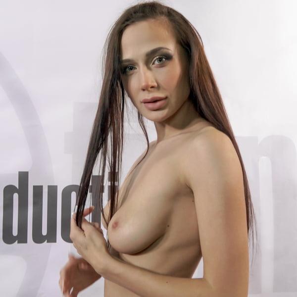 Nicole Love #3 - Bukkake - Second Camera [FullHD 1080p] (Bukkake)