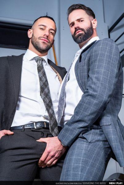 MAP - Dani Robles & Gustavo Cruz - Servicing The Boss