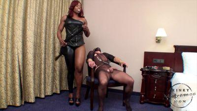 Kinky Mistresses – Nipple Punishment With Mistress Treasure