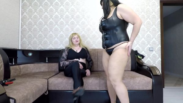 Annalise – Curvy Shapes One Mouth!