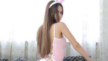 [Image: Kayley_-_Bunny.mp4_snapshot_02.06.669.jpg]