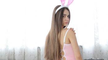 [Image: Kayley_-_Bunny.mp4_snapshot_02.11.504.jpg]