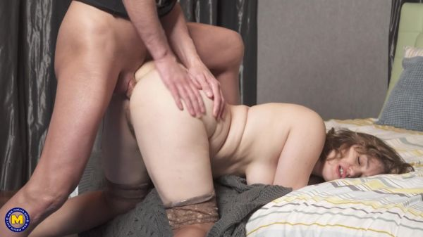 Yulenka  - Anal fucking his hairy stepmom after spying on her (21.03.2021) (FullHD/2021) by Mature