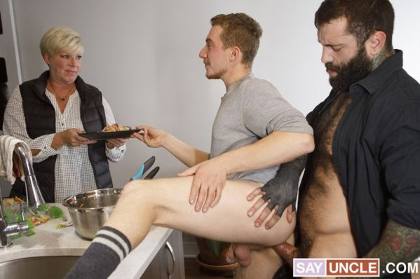 SayUncle Labs - William Moore & Markus Kage - Such A Good Stepson