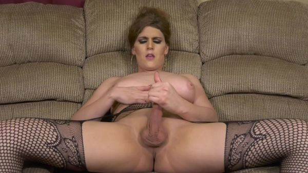 Tia Tizzianni - Sissies: OMG Who Wants to Serve Goddess (29.03.2021) [FullHD 1080p] (Trans)