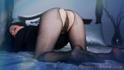 Goddess Alexandra Snow – Nylon Seduction (Uncensored)