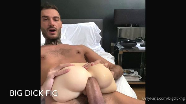 OF_-_bigdickfig_-_Big_ass_fucking_cock_opening_up_this_hole..jpg