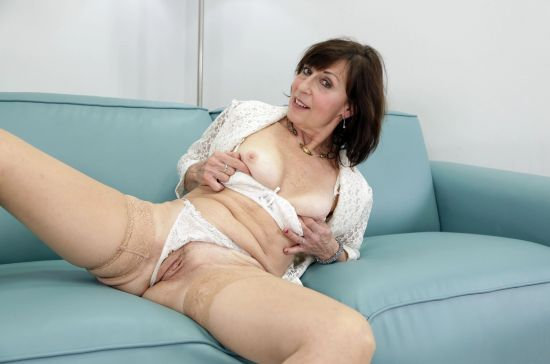 Lady Valentina - Needs Sex Too Smartphone