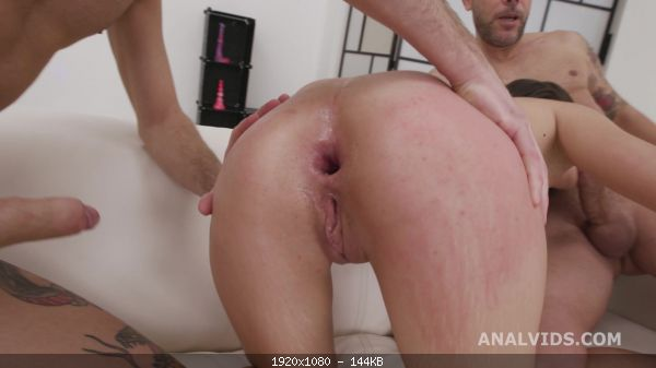 Group DAP Destination, Elisabetta Zaffiro 4on1 First Time DAP with Balls Deep An