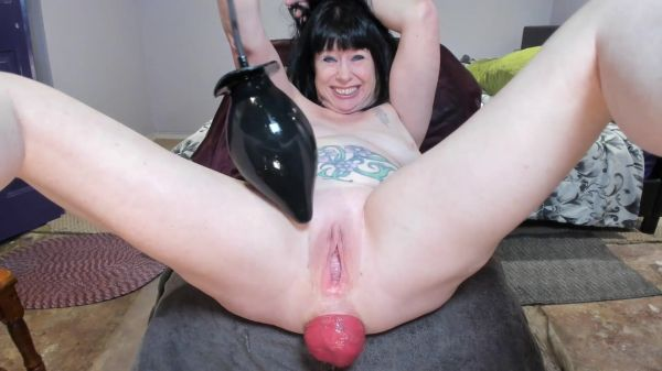 Dirtygardengirl  - A Big Toy Off for Katie [FullHD 1080p] (Dildo)