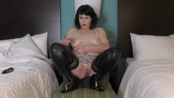Dirtygardengirl  - Anal Riding with Nipples Clamped [FullHD 1080p] (Dildo)