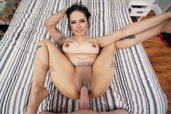 Tattooed Latina Beauty Jada Cruz