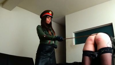 Miss Sultrybelle – 100 stroke FF caning