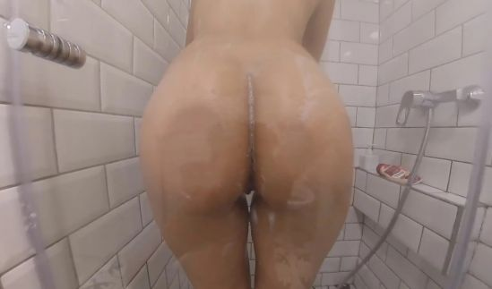 Groping The Gipsy Teen In The Shower Gear vr