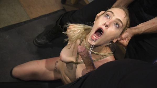 Gorgeous Blonde Cadence Lux Is A Good Whore
