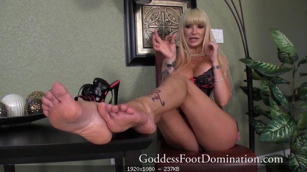 Footfetish Alexia – Alexia Has A New Girlfriend