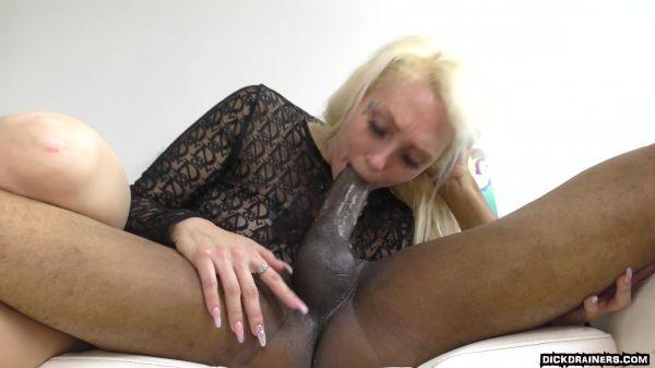 Alexis Andrews - Phat Juicy 48 Inch White Booty Is Wat He Wants (10.06.2021) [FullHD 1080p] (Interracial)
