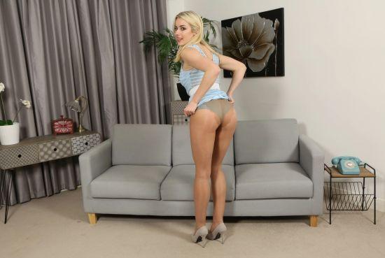 Rosa Brighid - Blonde in Sexy Blue Dress Smartphone