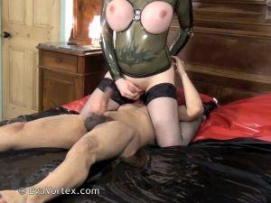 EvaVortex.com-Live-Sex-Show-SHEMALEHD.NET.00023.jpg