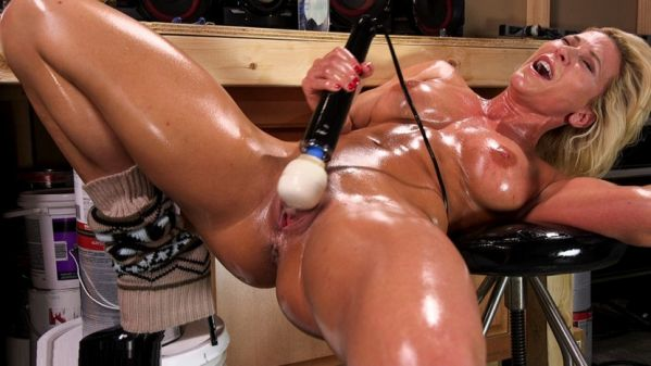 Ariel X Double Penetrated And Squirting Everywhere