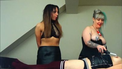 MissSultrybelle – 3 hot girls and a violet wand