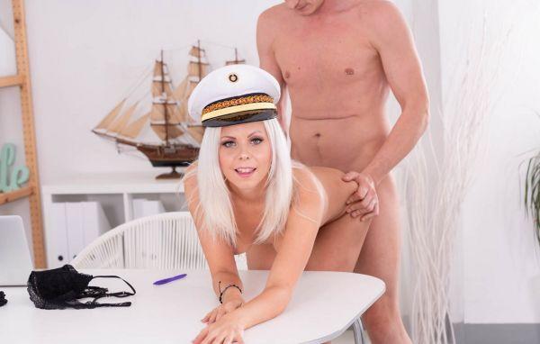 Julia Parker - The Demanding Captain