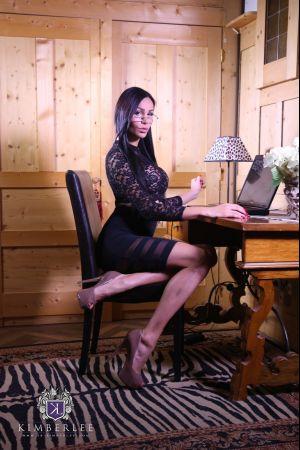 TS-KimberLee.com-Kimber-Lee-The-Lady-Boss-10-06-2015-SHEMALEHD.NET.mp4-1.jpg