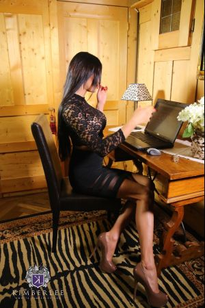 TS-KimberLee.com-Kimber-Lee-The-Lady-Boss-10-06-2015-SHEMALEHD.NET.mp4-17.jpg