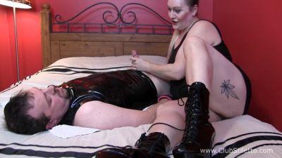 Clubstiletto – BBW Mistress Kali420 slaps his cock – Mistress April