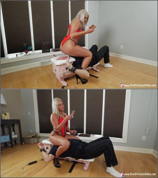 BratPrincess.us - Smothers Her Slave To Sleep / 03.06.2021  with Ava  (FullHD/1080p) [2021]