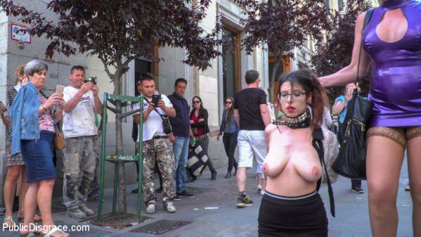 Zenda Sexy Walk Of Shame