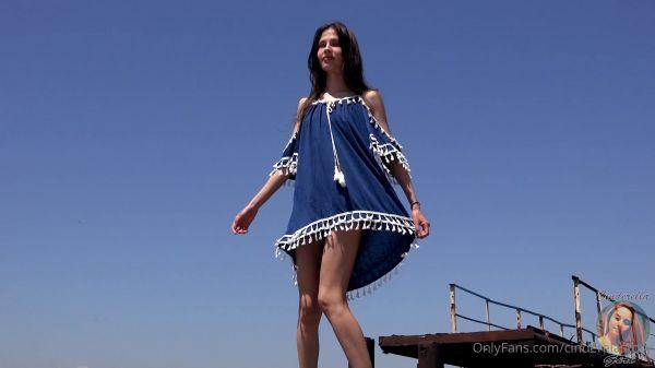 CinderellaStory Nika Walking 2