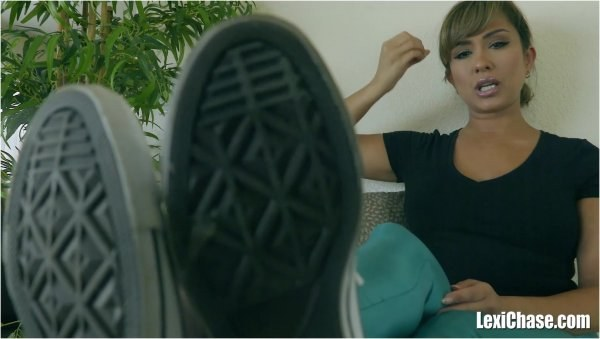 Lexi Chase - Pouncing On The Shoe Complement - Foot Slave Training