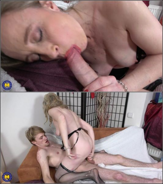 Andrea V - Mature Andrea gets fucked in her ass by a toyboy (09.08.2021) [FullHD 1080p] (Mature)