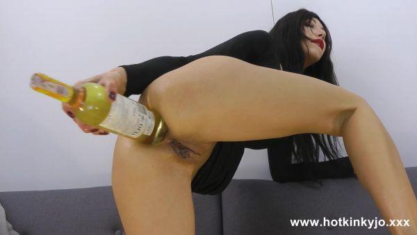 Hotkinkyjo - Dildo - Hotkinkyjo in sexy black dress take big wine bottle in ass & anal (15.08.2021) (UltraHD/2K 1440p) [2021]