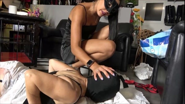 My Female Slave Shitting In Diaper - Mistress Gaia - FetishMania