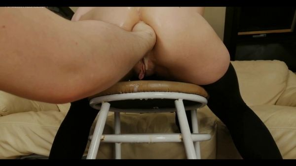 dismoralica - ass on chair fisted and prolapsed (01.09.2021) [FullHD 1080p] (Anal Fisting)