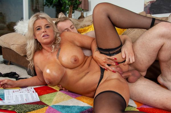 Kacie Lou is one hot stepmom that gets fucked on the couch