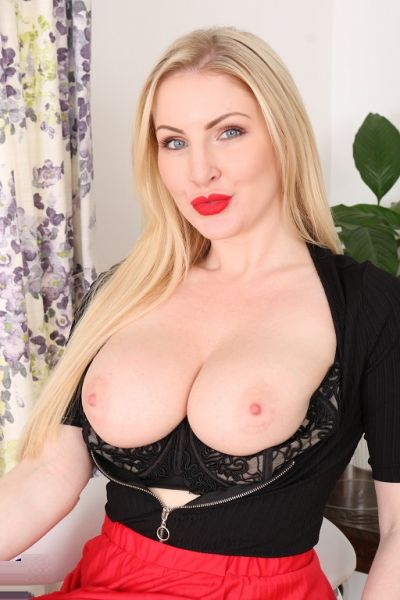 Hot steamy MILF Georgie Lyall loves playing with her big purple toy